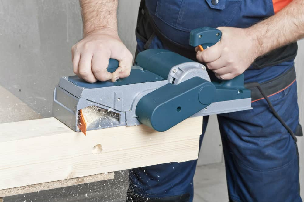 How To Use An Power Planer